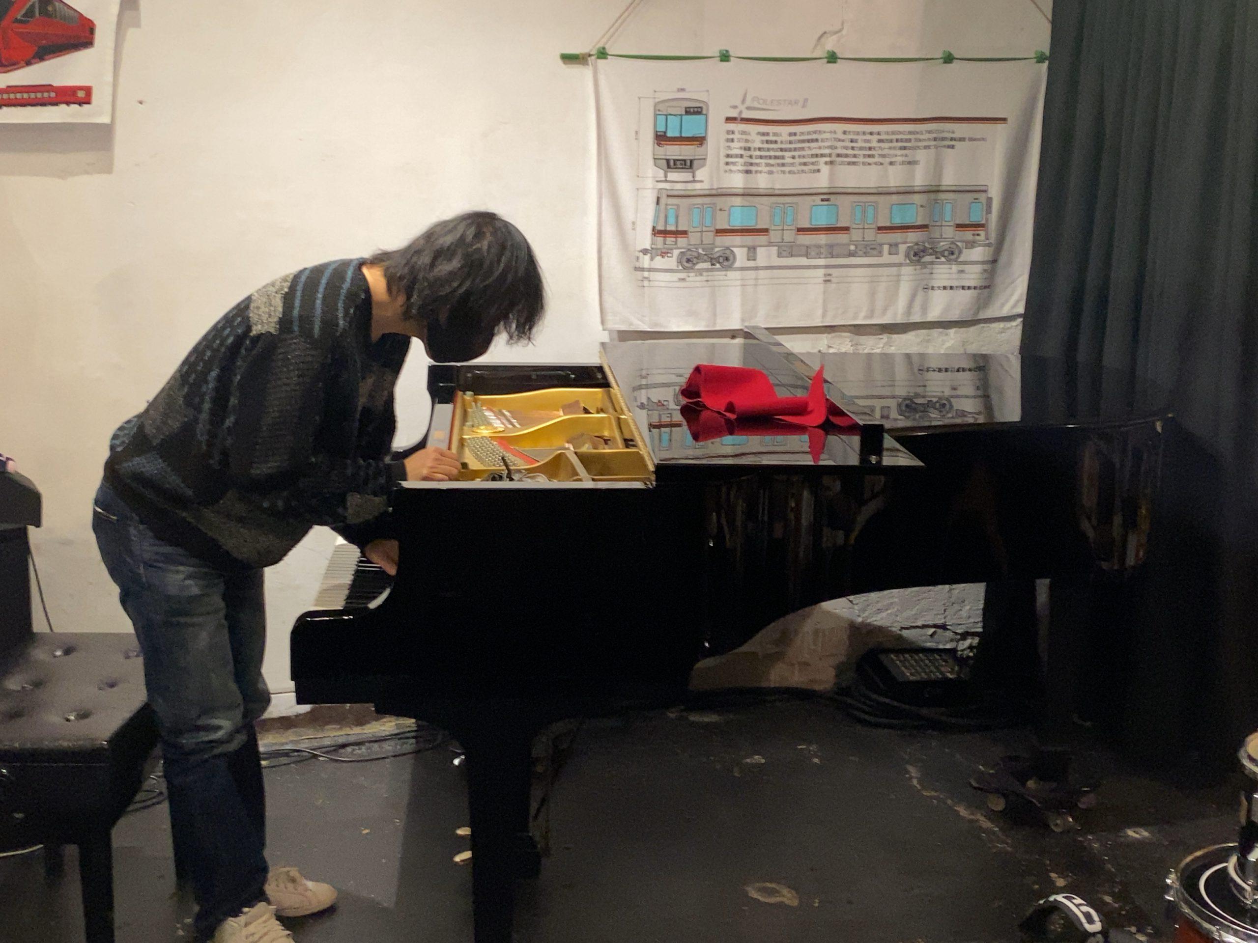 1/7お昼の「あなたも歌いましょう」は、急遽、ピアノ修繕のために中止いたします